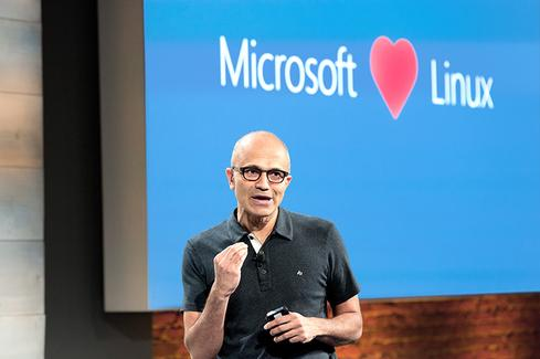 Microsoft_LOVES_Linux.jpg